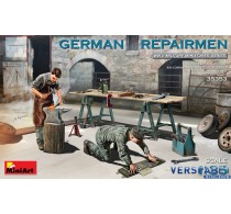 GERMAN REPAIRMEN -35353