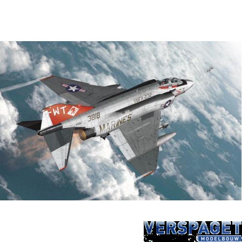 """USMC F-4J """"VMFA-232 Red Devils"""" -12556"""