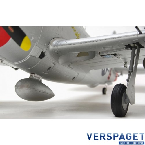 P-47 THUNDERBOLT - 980MM - PNP - W/ ELECTRIC RETRACTS -AS-AH001P