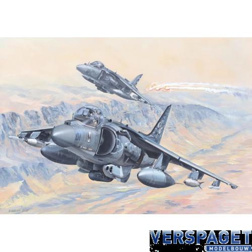AV-8B Harrier II 1/18 -81804