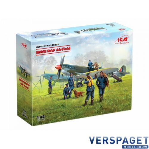 WWII RAF Airfield (Spitfire Mk.IX, Spitfire Mk.VII, RAF Pilots and Ground Personnel -DS4802