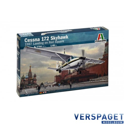 Cessna 172 Skyhawk  1987 Landing on Red Square -2764