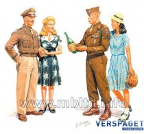 Europe 1945 - 2 GI Joes with females -mb3514