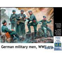 German military men, WWII era -MB35211