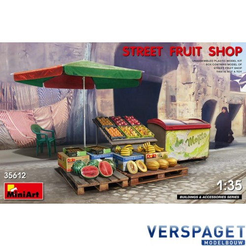 STREET FRUIT SHOP -35612