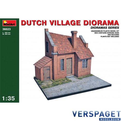 DUTCH VILLAGE DIORAMA -36023