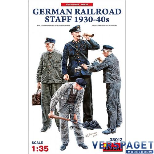 GERMAN RAILROAD STAFF 1930-40s -38012