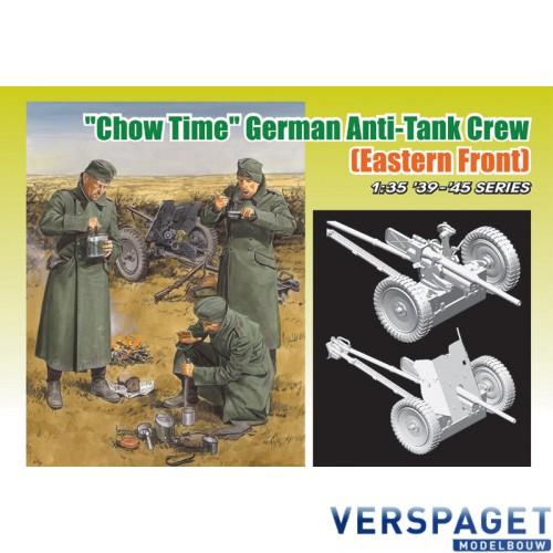 "Chow Time"" German Anti-Tank Gun Crew (Eastern Front) -6697"