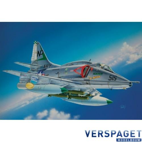 A - 4 E/F/G SKYHAWK-2671
