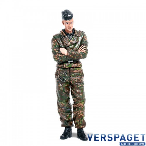 Shooter Standing -222285116