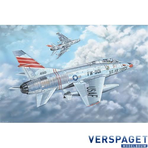 F-100C Super Sabre -03221