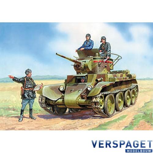 BT-7 Soviet tank w/crew -3545